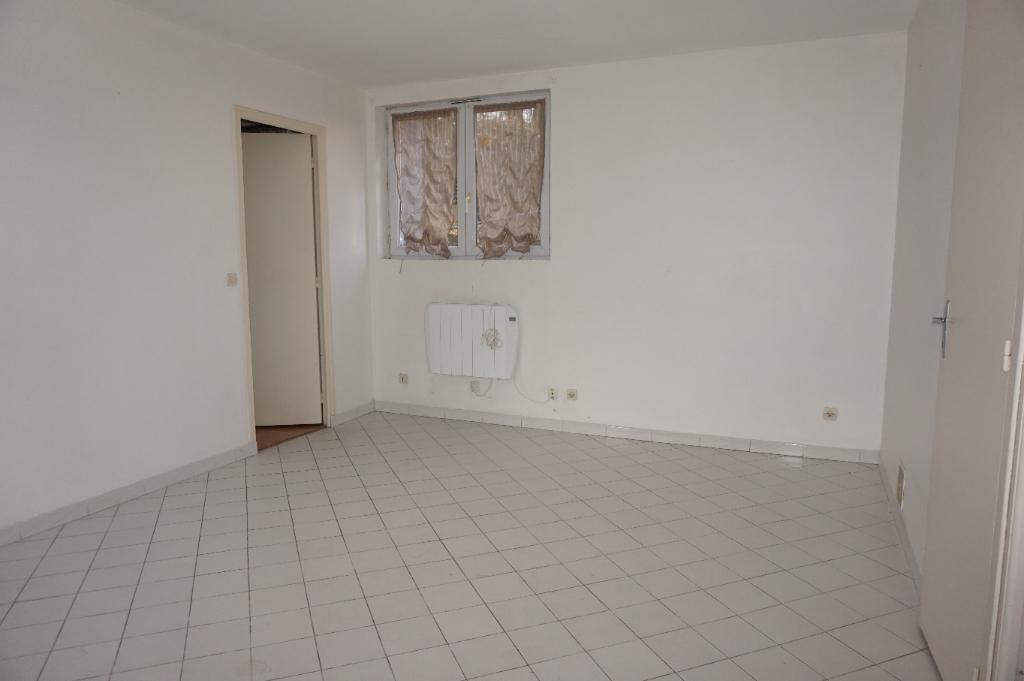 Appartement a louer rambouillet 2 pi ces 35 m vente for Appartement atypique rambouillet